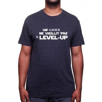 Un gamer ne viellit pas - Tshirt Homme