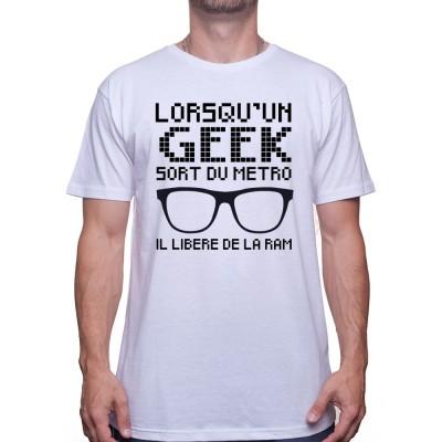 lorsqu'un geek sort du métro
