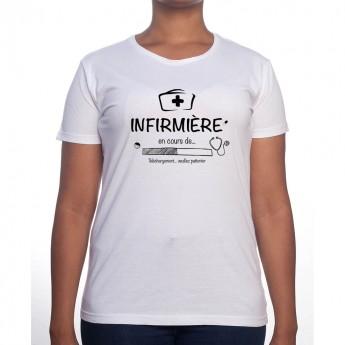 Infirmiere in progress - Tshirt Femme Infirmière Tshirt femme Infirmière